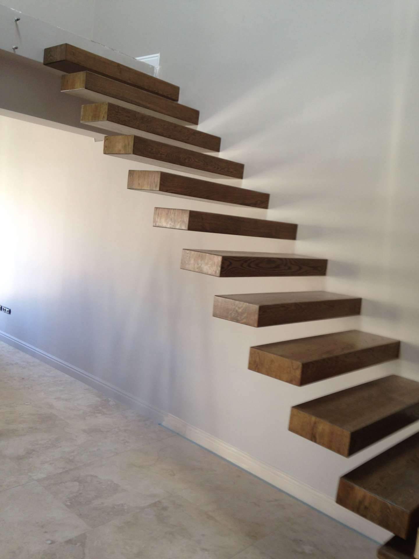 scara interioara din lemn